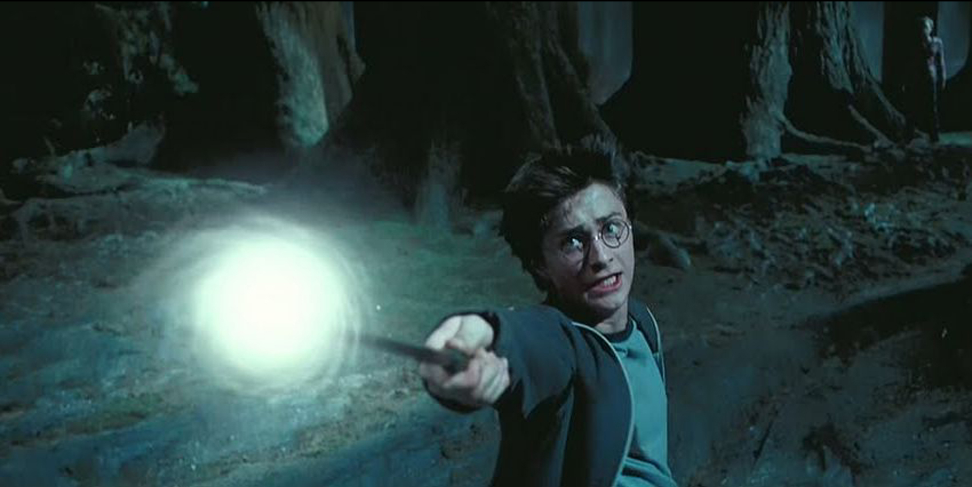 Harry summons his patronus
